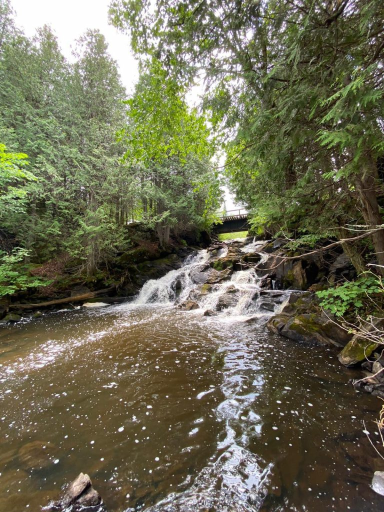 high-falls-the-park-land'escapes